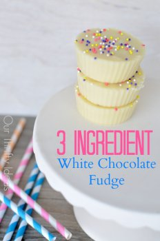 Such an easy fudge recipe. This white chocolate fudge only takes 3 ingredients. I can do that!